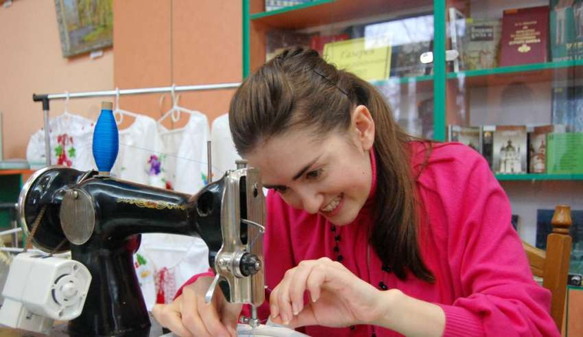 Рейтинг швейных машинок для дома 2016
