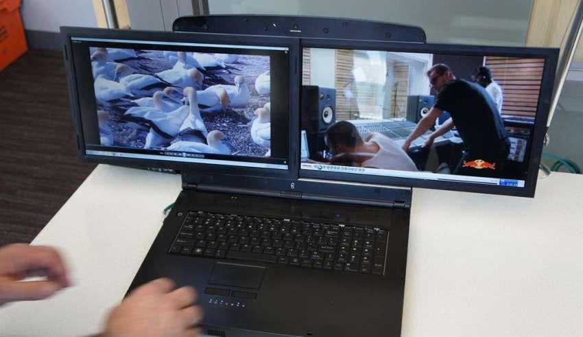 Как выбрать лучший ноутбук с двумя экранами 2015 года