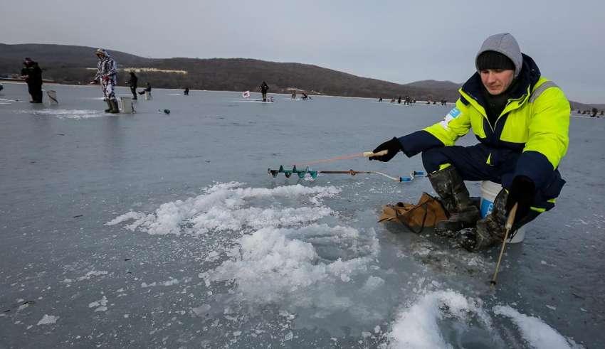 Зимняя рыбалка на Байкале 2015-2016