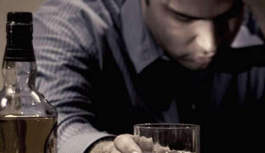 Как объяснить ребенку, что папа алкоголик, пьет